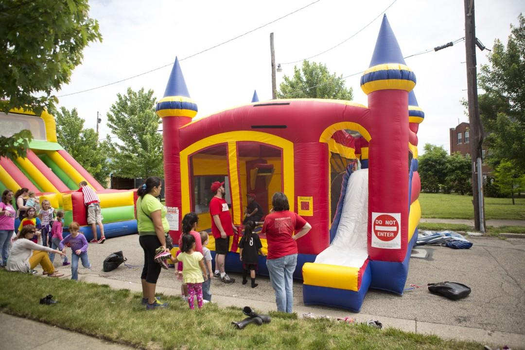 Inflatable Moon Bounce House / Slide Combo