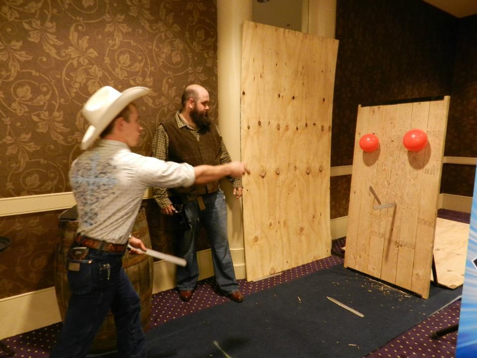 Western Knife throwing workshop