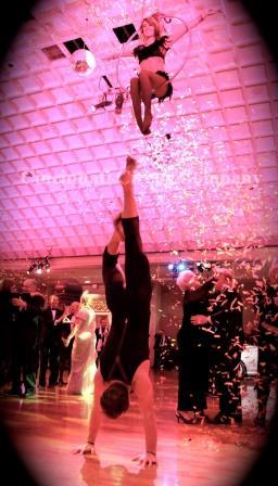 Aerial_Duo_Lyra Hand Balancing_Emma Andrew