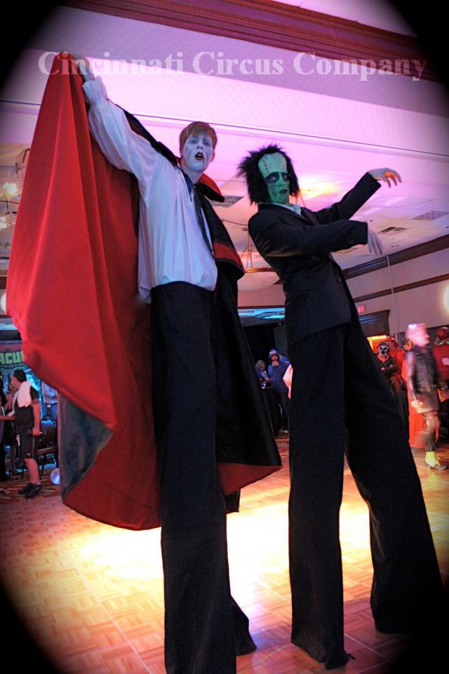 Stiltwalker-Halloween-Monsters-Frankenstein-Dracula-Shane-Dan-001-CCCCopyright