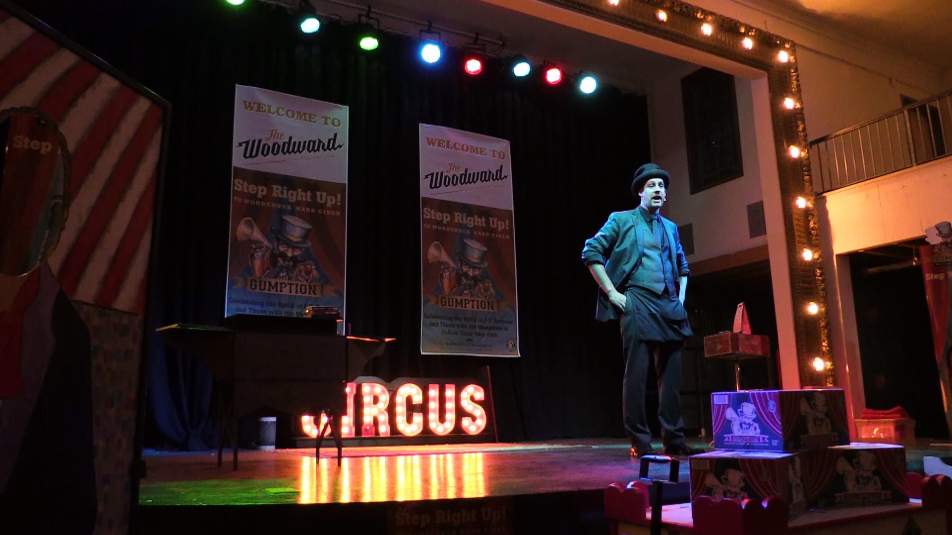 stage show_magic_comedy_circus decor