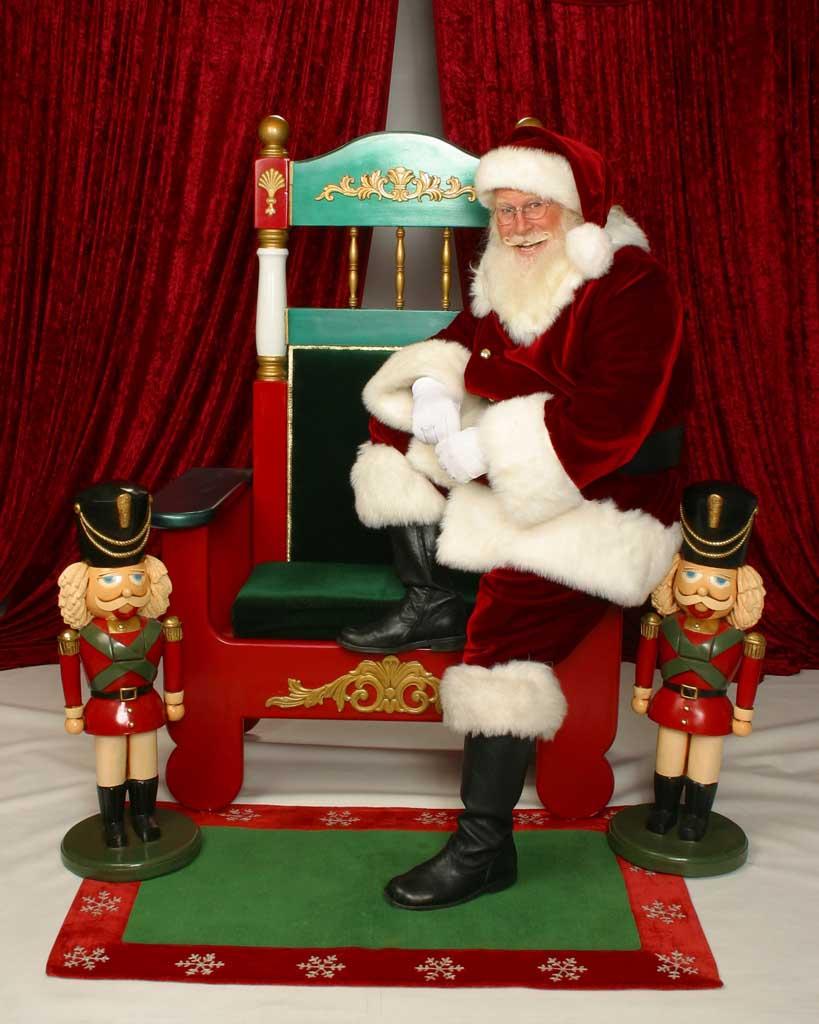 Christmas Santa & Chair 01