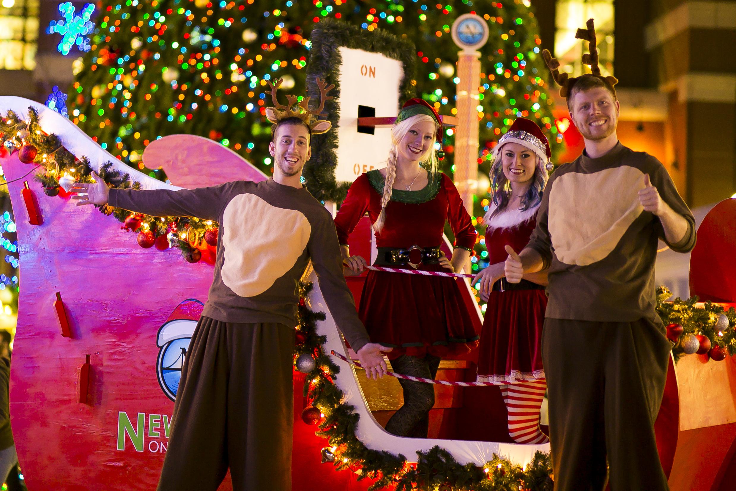 Elf & Reindeer Entertainers 02