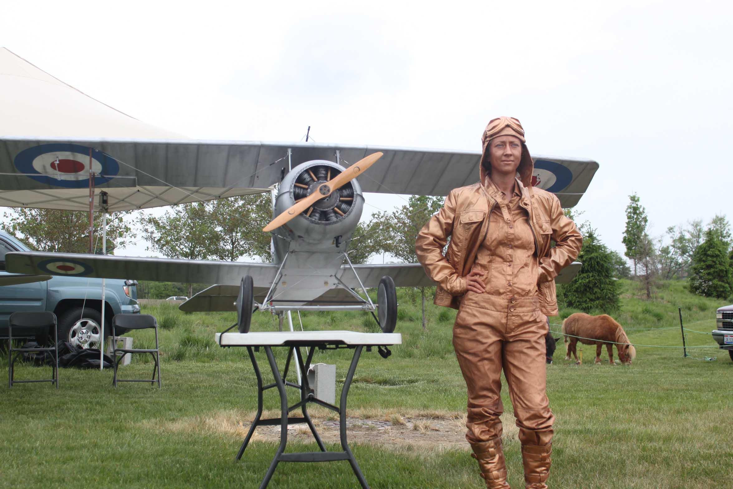 Living Statues_Amelia Earhart 02.JPG