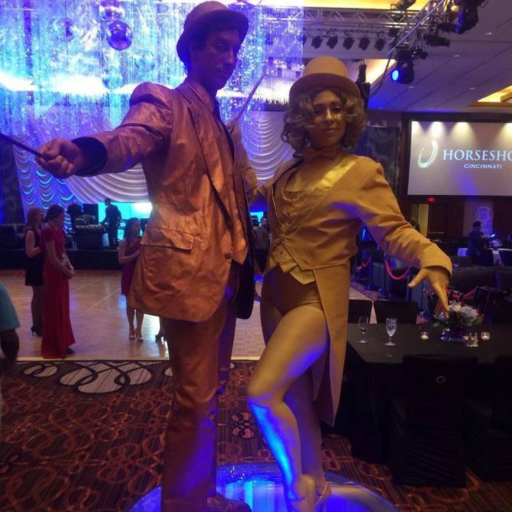 Statue_Gold_Bronze_Magician & Assistant 02