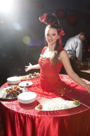 Strolling Table_Red_Food_Jen