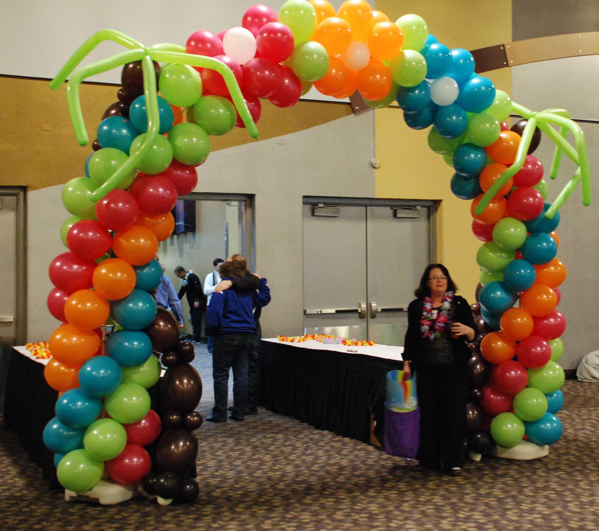 Tropical Balloon Arch 01