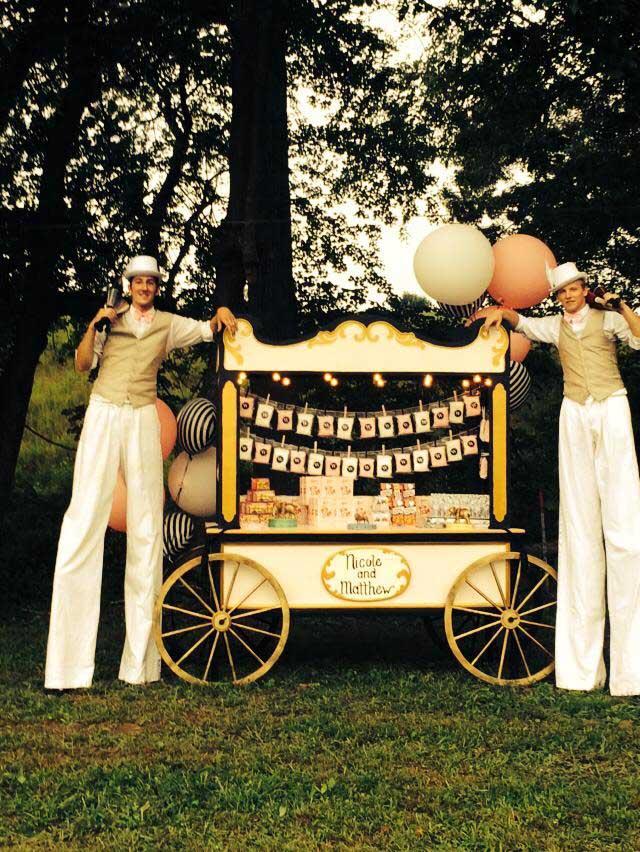 Vintage Stiltwalker Jugglers White Outfits 02